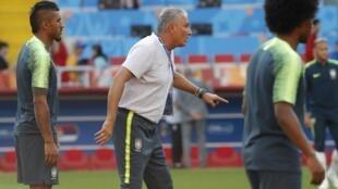 O treinador Tite durante treino da seleção em Moscou nesta terça-feira, 25/06/18.