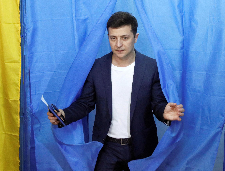 Владимир Зеленский  на избирательном участке 21 апреля 2019