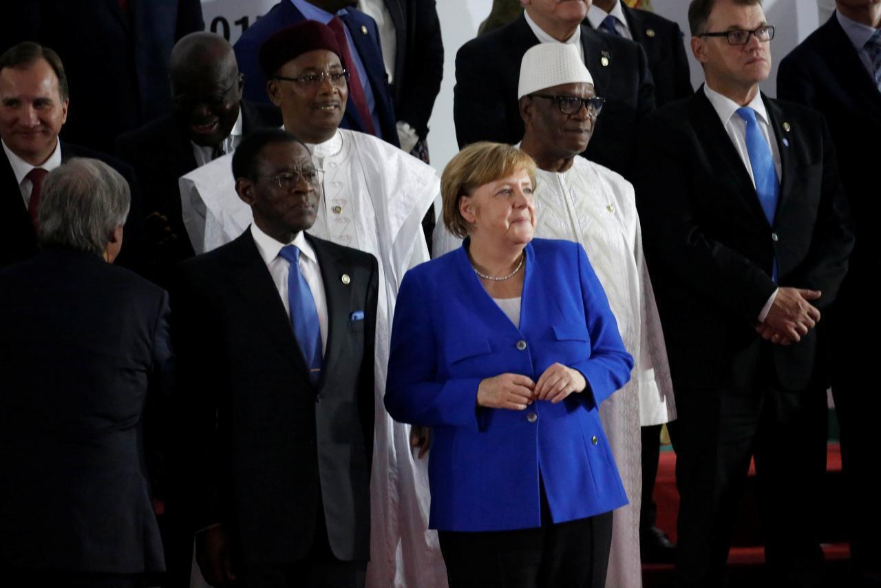 Shugabar Jamus Angela Merkel tare da wasu shugabannin Afirka a wurin taron AU-EU a Abidjan