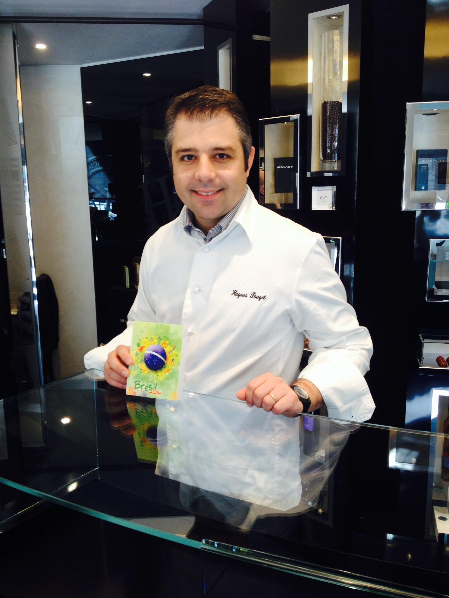 O chef  francês Hugues Pouget criou chocolates especiais com sabores brasileiros.