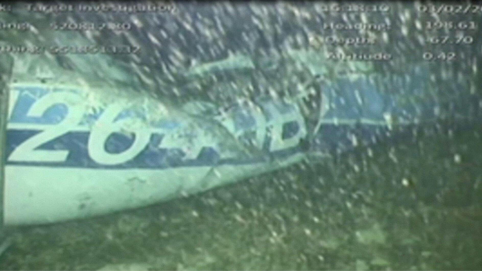 Os destroços da aeronave desaparecida que levava o jogador de futebol Emiliano Sala foram encontrados no fundo do mar perto de Guernsey, nesta foto tirada de um vídeo feito em 3 de fevereiro de 2019.