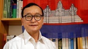 L'opposant Sam Rainsy, qui vit en exil en France depuis 2015, a annoncé son retour au Cambodge.
