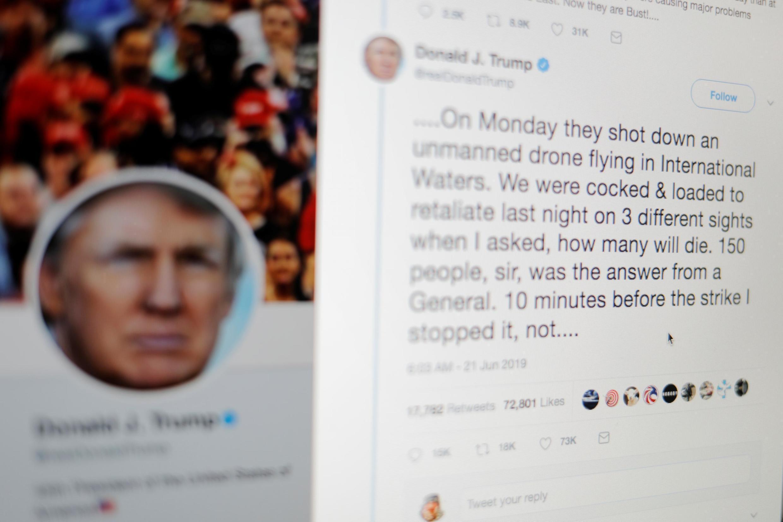 Tweets escritos por el presidente Donald Trump, sobre los ataques previstos contra Irán, se muestran en una pantalla de computadora, Nueva York, 21 de junio de 2019.