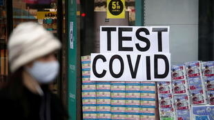 2021-01-14T153813Z_1011628989_RC2R7L9SMTC4_RTRMADP_3_HEALTH-CORONAVIRUS-FRANCE-TESTS