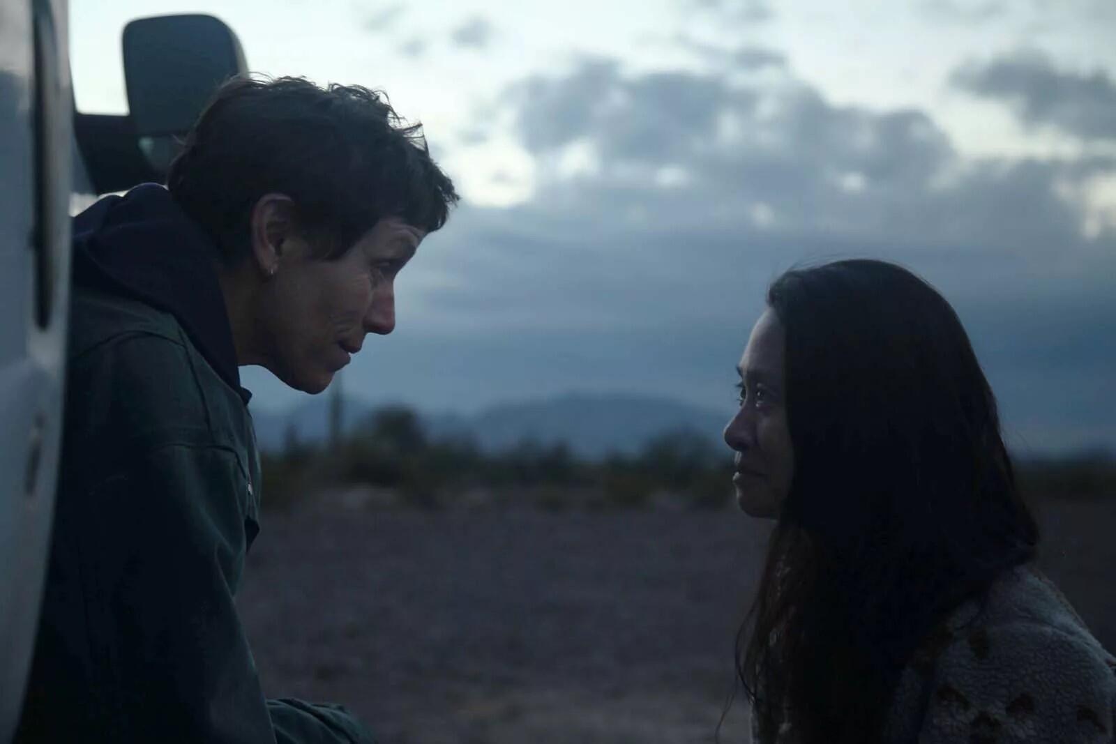 Frances McDormand, rôle principal de « Nomadland », et la réalisatrice Chloé Zhao.