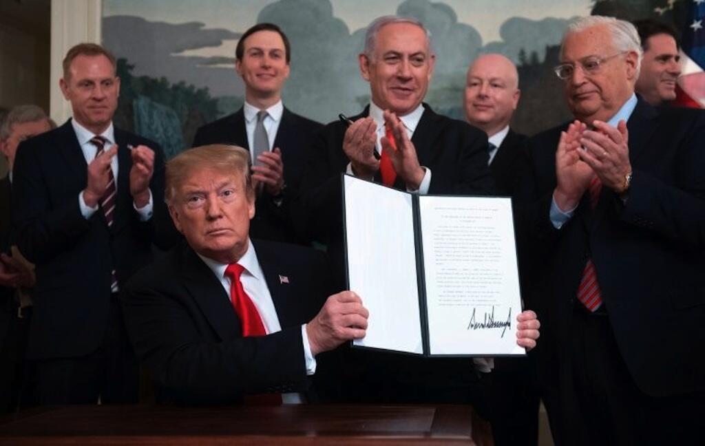 Shugaba Donald Trump ya sanya hannu kan kudirin amincewa da Tuddan Golan a matsayin yankin Isra'ila.