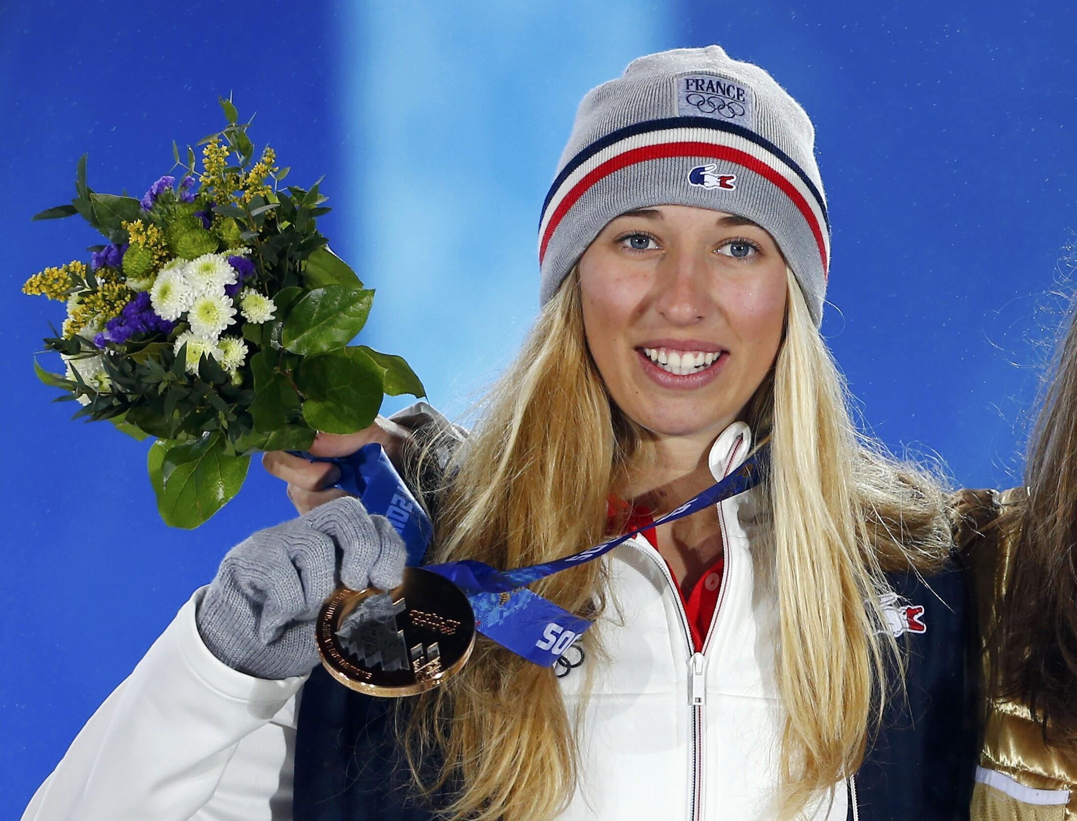 19-летняя Клоэ Треспёш - бронзовая медалистка Сочи в сноуборде 16 февраля 2014