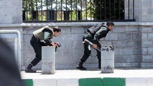 Attaque au Parlement à Téhéran, les forces de sécurité prennent position.
