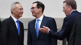 Phó thủ tướng Trung Quốc Lưu Hạc gặp bộ trưởng Tài Chính Mnuchin và đại diện thương mại Mỹ Lighthizer tại Washington ngày 10/05/2019.