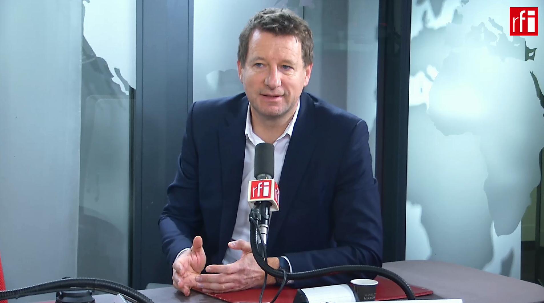Лидер предвыборного списка «зеленых» Янник Жадо в студии RFI