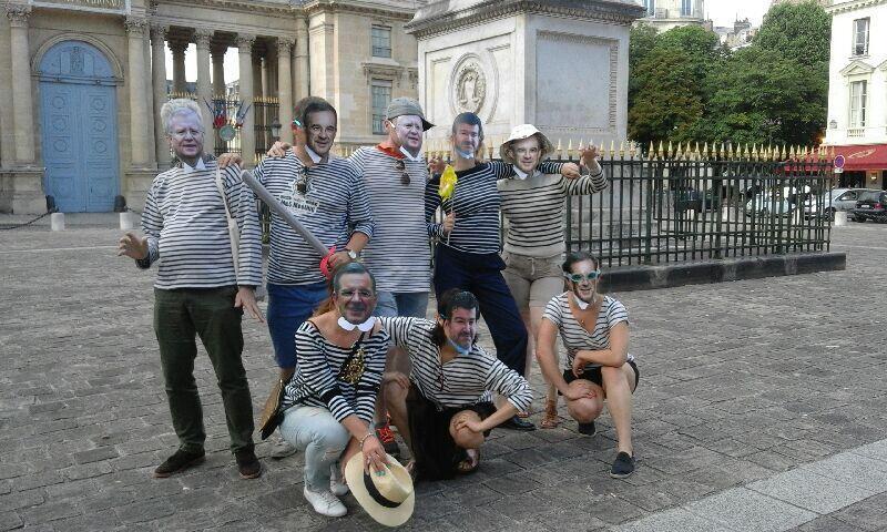 Акция против поездки французских депутатов в Крым, прошедшая перед зданием Национального собрания в Париже, 29 июля 2016.