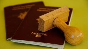 Itália cancela cidadania de brasileiros por fraude na obtenção do passaporte.