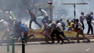 Masu zanga-zanga a kasar Kenya.