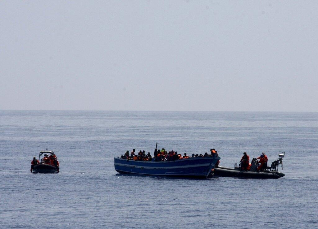 German navy rescued around 200 refugees off the Italian Lampedusa island, 8 May 2015.