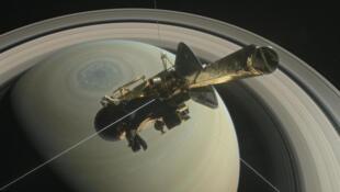 Cassini pronta para o mergulho final na atmosfera de Saturno.