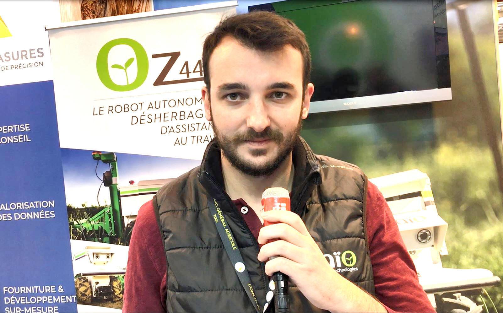 Жюльен Лаффон: «Naïo Technologies привез в Париж самый маленький из своих роботов-пропалывателей».