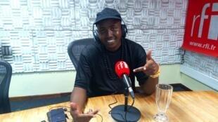 Mwanamuziki Samata A ndani ya Studio za RFI Kiswahili Dar Es Salaam