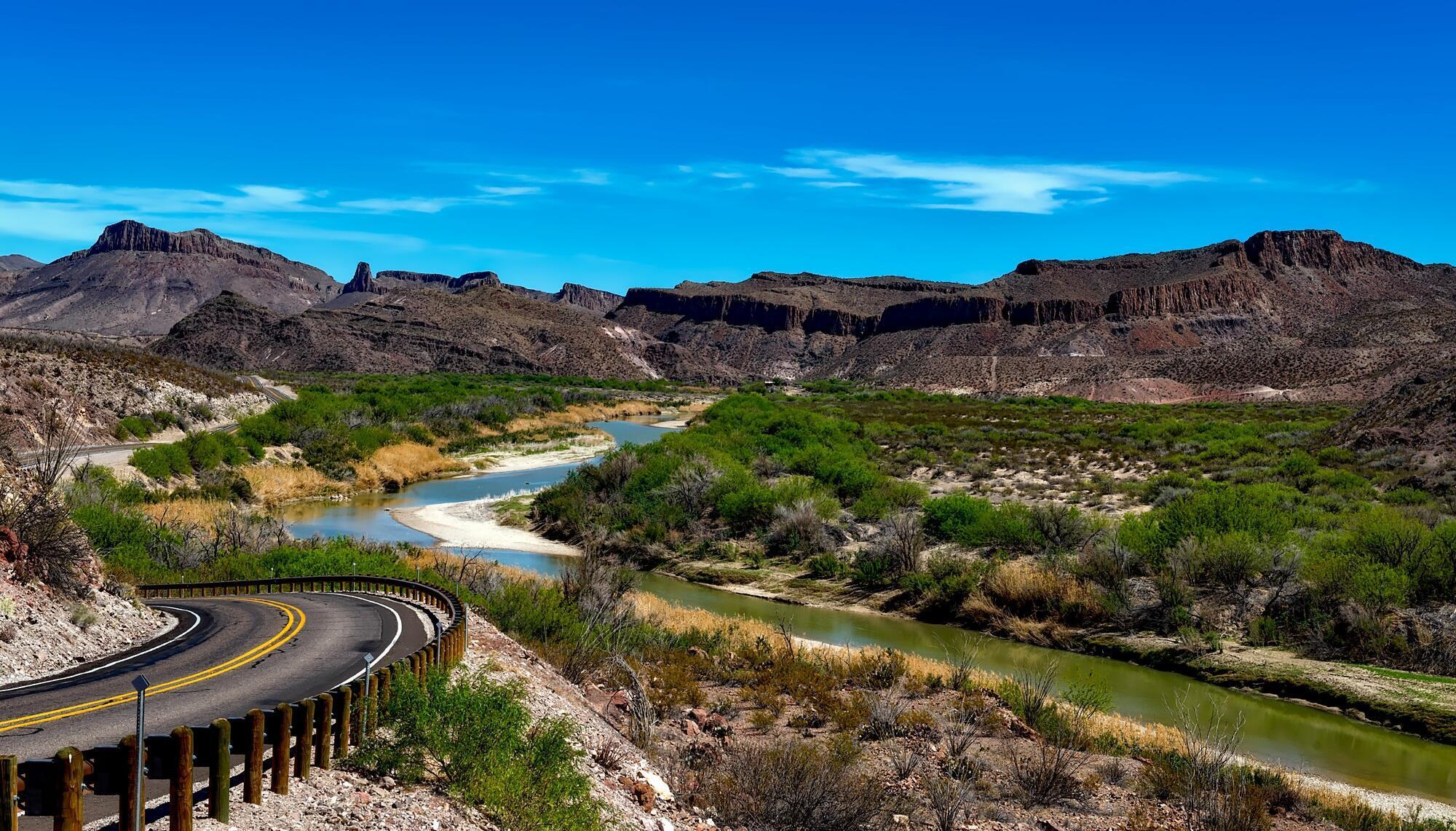 Le Rio Grande, ou Rio Bravo, côté Etats-Unis dans le parc national de Big Bend.
