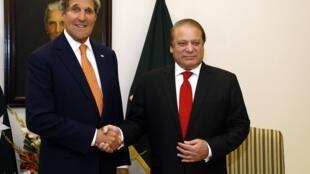 Ngoại trưởng Mỹ John Kerry và Tổng thống Pakistan Nawaz Sharif 12/01/2015 - REUTERS /Rick Wilking