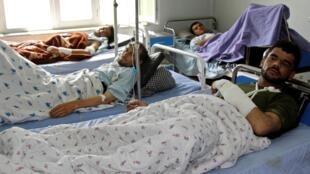 Des blessés reçoivent des soins dans un hôpital en Afghanistan après l'attentat de Kunduz, le 13 avril 2019 (photo d'illustration).