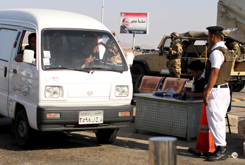 Segurança é reforçada no aeroporto de Sharm el-Sheikh.