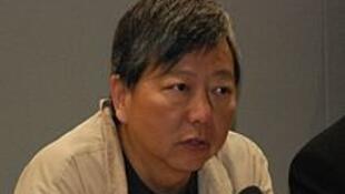 Dân biểu Lý Trác Nhân (Lee Cheuk Yan),người tổ chức cuộc tuyệt thực đòi phổ thông đầu phiếu.