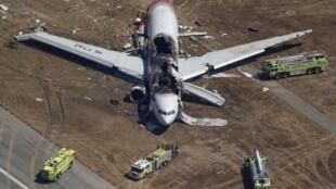Chiếc Boeing 777 của Asiana Airlines - Hàn Quốc gặp nạn khi đáp xuống phi trường San Francisco - Hoa Kỳ, 06/07/2013