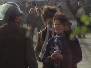 """""""Plogoff, des pierres contre des fusils"""": les femmes sont à la pointe du combat contre la centrale nucléaire, février 1980."""