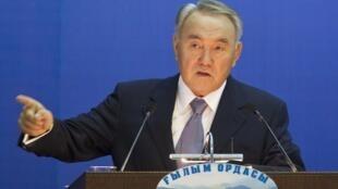 Le président Noursoultan Nazarbaïev, le 1er décembre 2011.