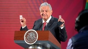 2020-03-19T032609Z_1045862793_RC2RMF9V0KR4_RTRMADP_3_HEALTH-CORONAVIRUS-MEXICO-PRESIDENT