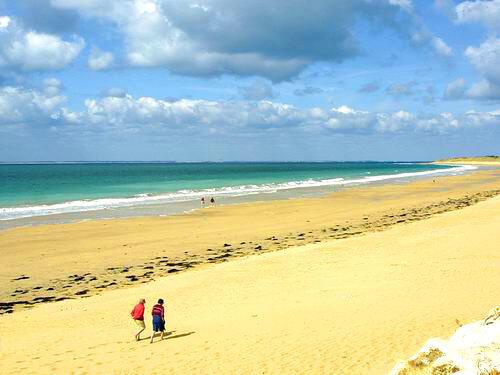 Bãi biển ở Bois Plage en Ré, một trong những  bãi tắm trong sạch nhất Châu Âu (Office de tourisme Ile de Ré)