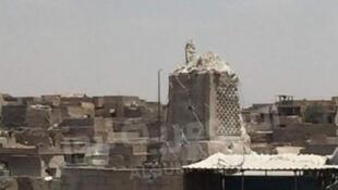 Le minaret penché du XIIe siècle de la mosquée al-Nouri qui surplombait Mossoul n'était, le 22 juin 2017, plus qu'un amoncellement de ruines au lendemain de sa démolition.
