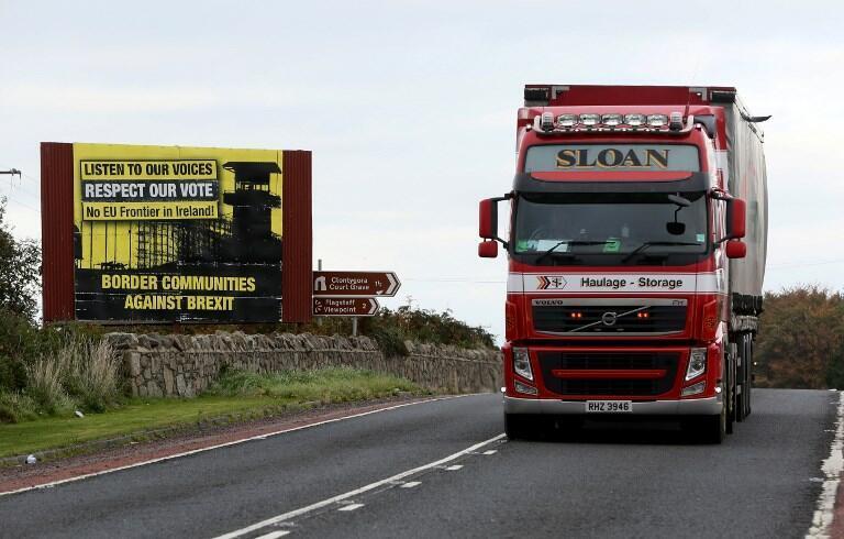 A la fronière entre les deux Irlande: sur la route entre Newry (Ulster) et Dundalk (République d'Irlande), le 9 octobre 2018.