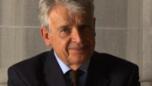 Alain Cavalier, cinéaste, a reçu le Prix Marguerite Duras pour l'ensemble de son oeuvre.