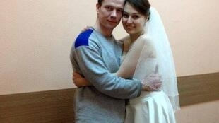 Политзаключенный Ильдар Дадин с супругой Анастасией Зотовой