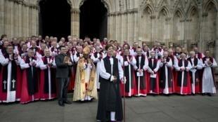 Le 26 janvier 2015, Libby Lane devient la première femme évêque de l'Eglise d'Angleterre.
