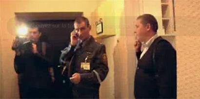 """Полиция в офисе кампании """"Говори правду!"""" 07/09/2012"""