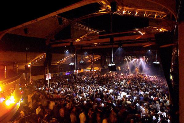 La sala Elysée Montmartre, una de los lugares con música en vivo: cinco noches festivas organizadas por Les Nuits Capitales.
