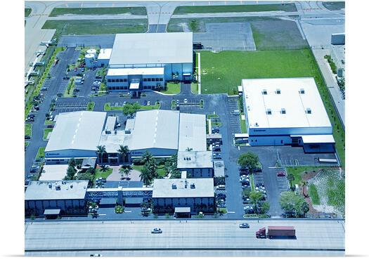 Cem funcionários já estão em atividade nas fábricas da Embraer em Évora (foto), número pode aumentar para 400 até 2015.