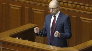 Премьер-министр Украины Арсений Яценюк в Верховной Раде в Киеве.