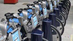 Aluguel de bicicletas públicas em Londres inaugurado nesta sexta-feira.