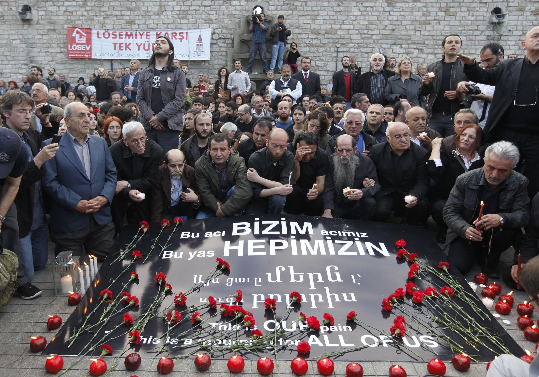 土耳其人首次悼念在一战中惨遭屠杀的亚美尼亚人 (2010年4月24日)