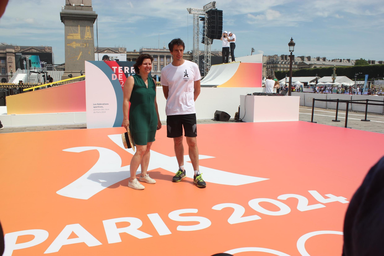 Министр спорта Франции Роксана Марасинеану и сопредседать оргкомитета ОИ-2024 Тони Эстанге