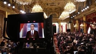 François Hollande addresses journalists at the Elysée Palace on Thursday