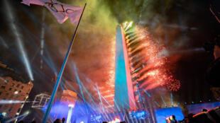 Впервые в истории церемония открытия Олимпийских игр прошла на улицах города. На ней мог присутствовать любой желающий.