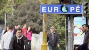 Тирана, 8 ноября 2010. Зеленый свет в Европу.