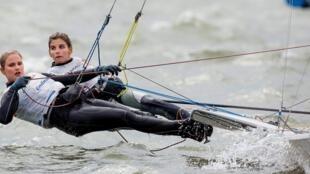 Martine Grael e Kahena Kunze ganharam ouro