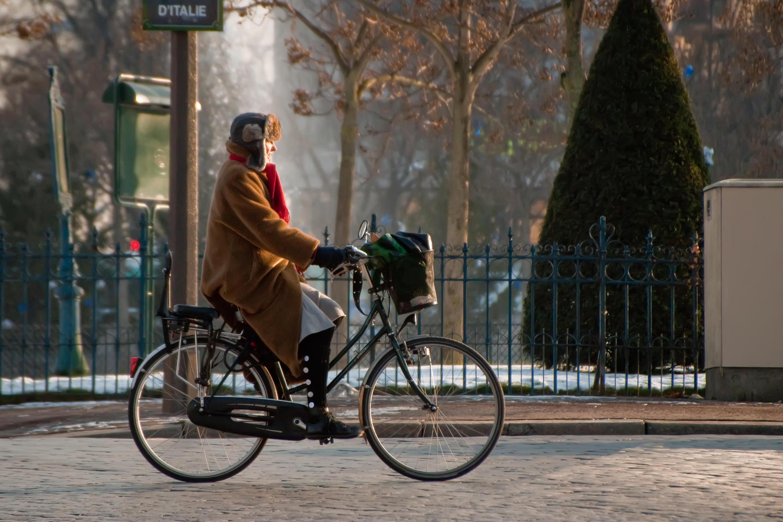 Для более активных феминистки запланировали прогулку на велосипеде — потому что велосипед для француженок тоже является символом свободы, независимости и эмансипации.