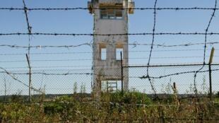Uma torre de vigia abandonada na Zona dos paióis da Base Militar de Tancos, 3 de Julho de 2017.