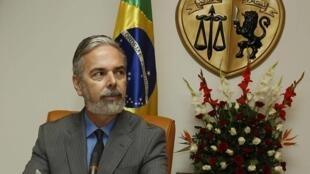 O chanceler brasileiro, Antonio Patriota, durante coletiva de imprensa na Tunísia.